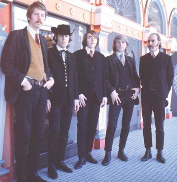 Charlatans in 1966 in front of the former Barbary Coast hot spot the Hippodrome, Pacific St., San Francisco.